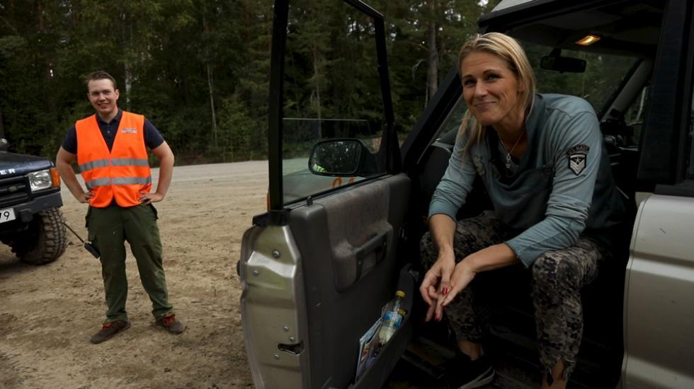 Erica Johansson kör Land Rover